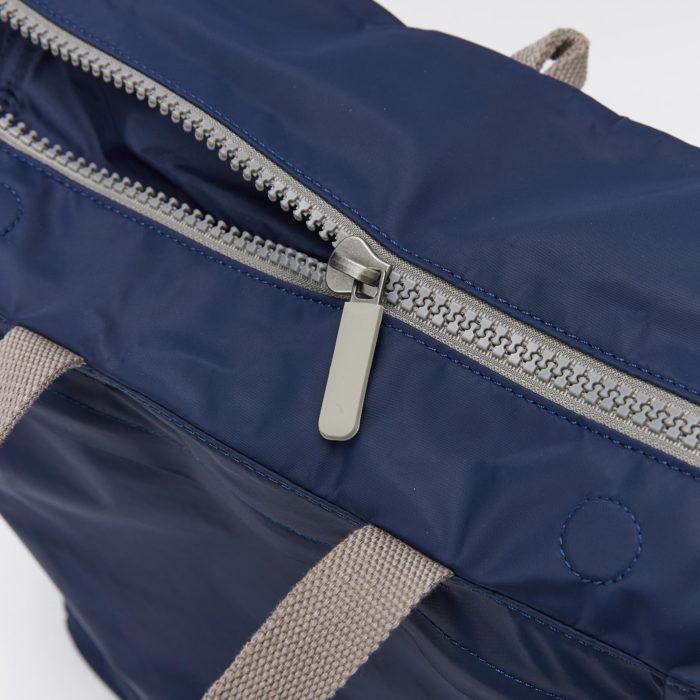 mochila impermeable roka camden medium navy detail 02